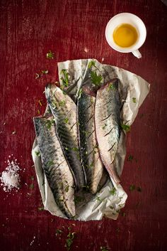 Mackerel | Cavala Raw Food Recipes, Fish Recipes, Seafood Recipes, Indian Food Recipes, Cooking Recipes, Food Photography Styling, Food Styling, Product Photography, Gnocchi
