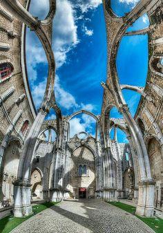 Catedral de Santa María, Lisboa, Portugal, destruida por el terremoto de 1755