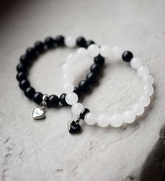 Women's elegant beads from minerals Making Bracelets With Beads, Handmade Jewelry Bracelets, Diy Crafts Jewelry, Bracelet Crafts, Bijoux Diy, Bracelet Making, Beaded Jewelry, Jewelry Making, Beaded Bracelets