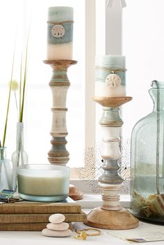Set a seaside mood with Pier 1's Sea Grass Layered Pillar Candles, a coastal blend of palm leaf, marine air and sun-ripened melon mingled with dune lily, fragrant jasmine and sea moss. They're ready for your favorite candle holders and pillar stands.