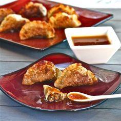 Recipe: Pork Recipes / Seared Pork Dumplings with Fiery Apricot Sauce - tableFEAST Pork Recipes, Asian Recipes, Cooking Recipes, Sauce Recipes, Appetizer Recipes, Appetizers, Sushi, Yummy Food, Tasty