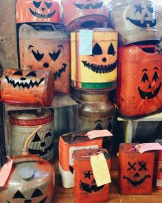 Gas can Jack o Lanterns Rustic Halloween, Halloween Cans, Halloween Projects, Halloween Stuff, Halloween Pumpkins, Fall Halloween, Halloween Ideas, Halloween Decorations, Welded Art