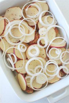 Easy Pork Chop Recipes, Easy Casserole Recipes, Pork Recipes, Casserole Dishes, Cooking Recipes, Cooking Time, Pork Chops And Potatoes, Juicy Pork Chops, Salads