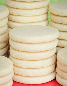 Rolled Sugar Cookies 3 cups flour 1 TSP baking powder 1 cup unsalted butter 1 cup sugar 1 large egg 1 TSP vanilla extract Instructions In a separate bowl whisk together flour and baking powder. Beat together unsalted butter an Roll Cookies, Yummy Cookies, Cookies Et Biscuits, Best Sugar Cookies, Cookies Light, Butter Sugar Cookies, Bee Cookies, Baking Cookies, Flower Cookies