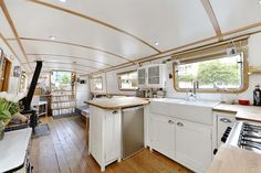 London 'Peg' 1 bed property Central London Estate Agents based in Shoreditch, Islington and Bloomsbury - Fyfe Mcdade Living On A Boat, Tiny Living, Slow Boat To China, Barge Interior, Dutch Barge, Narrow Boat, Mobile Living, Small Space Solutions, Canal Boat