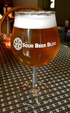 Designing a Berliner Weisse - Poured Glass Brewing Recipes, Homebrew Recipes, Beer Recipes, Beer Brewing, Home Brewing, Grain Foods, Food Design, Brewery, Wine Glass