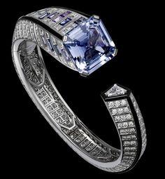 Bracelet Platinum, one 25.42-carat square