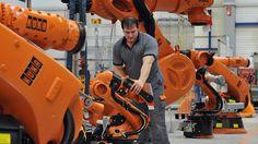 Krisen drücken Investitionslaune: Maschinenbauer hoffen und bangen