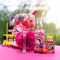 Game Cocktail, Cocktail Night, Cocktail Drinks, Alcoholic Drinks, Cocktail Recipes, Gin & Tonic Cocktails, Tonic Drink, Gin And Tonic, Cocktails For Parties