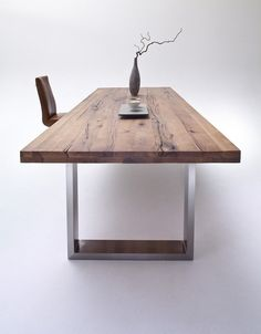 Dining table CASTELLO – oak Bassano – solid wood Source by Related posts: Dining table / solid wood table made of old oak wood… Dining Table Design, Solid Wood Dining Table, Dining Table In Kitchen, Wooden Desk, Wooden Tables, Dining Table Dimensions, Solid Wood Kitchens, Diy Kitchen Storage, Diy House Projects