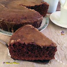 TORTA VILLA CARLOTTA ,una torta al cioccolato con glassa al caffè e cioccolato una ricetta senza semplice ,non serve montare niente.....