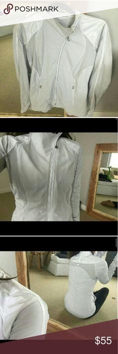 Lululemon grey and white zip up great condition lululemon athletica Jackets & Coats