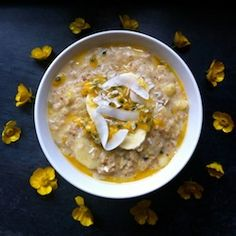 Sweet, creamy coconut and banana with intensely-flavoured freshness and slightly sour zing of crunchy passion fruit seeds. Breakfast Porridge, Breakfast Lunch Dinner, Breakfast Recipes, Vegan Breakfast, Gf Recipes, Vegetarian Recipes, Cooking Recipes, Healthy Recipes, Healthy Breakfasts