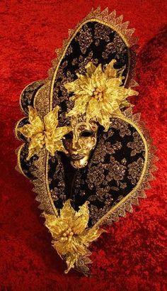 Ventaglio Lux Nero Masquerade Mask | VIVO Masks