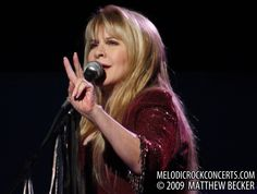 Stevie Nicks live with Fleetwood Mac on March 3, 2009   Flickr - Photo Sharing!