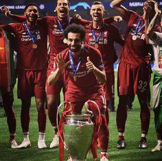 Liverpool Football Club, Liverpool Fc, Virgil Van Dijk, Mo Salah, Football Images, You'll Never Walk Alone, Soccer World, Oui Oui, Sport
