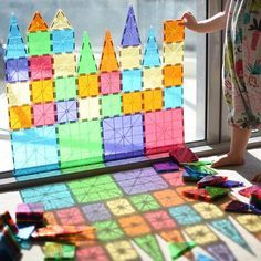 I think this might just be our new favourite way to start the day! ☀️ ~ is building up the balcony glass door with our MagnaTiles… Reggio Emilia, Preschool Science, Preschool Classroom, In Kindergarten, Toddler Fun, Toddler Activities, Magna Tiles, Play Based Learning, Tot School