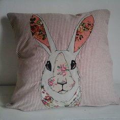 Floral patchwork rabbit cushion von PaddyMacDesigns auf Etsy