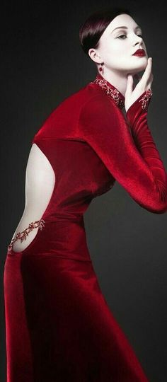Black Party Dresses, Party Wear Dresses, Glamour Photography, Fashion Photography, Simply Red, Velvet Fashion, Shades Of Red, Lady In Red, Outfits