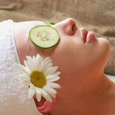 #Beautydeals in Chennai – Sripali beauty parlor here are the deals PAY RS 400 FOR AGE MIRACLE/SKIN WHITENING/WINE/GOLD FACIAL, #HAIRSPA, OXY BLEACH/HAIRCUT & MORE WORTH RS 3470 for more information visit  http://uahoy.com/offer/3913/4336/Beauty/Sripali-Beauty-Parlour