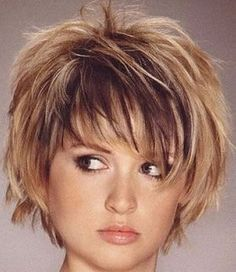 short-hairstyle-for-thick-hair-Sleeked down pixie with texturizing