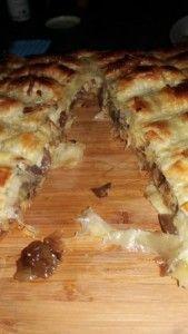 GIDEON SE BRAAI PIE Braai Pie, South African Recipes, Yummy Food, Yummy Recipes, Food To Make, Side Dishes, Veggies, Lovers, Meals