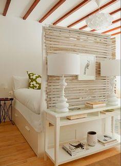 Salón dormitorio con armario bajo la cama