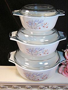 Vintage Pyrex England Blue Iris Casserole 6 Piece Set (This looks more like Fire King, but I'll add it just the same.)