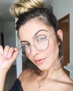 """Menina Flor ♡ LOJA ONLINE on Instagram: """"🌸Armação para grau 🌸 - 🔍Modelo - MALÉVOLA 🔍 { Digite o nome do óculos na busca do site que ele já aparece! } - - ✅Cor : PRETO COM DOURADO -…"""" Round Lens Sunglasses, Cute Sunglasses, Cat Eye Sunglasses, Sunglasses Women, Vintage Sunglasses, Fake Glasses, Girls With Glasses, Glasses Frames, Glasses Outfit"""