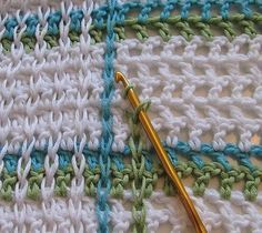 "Battaniye ""Crochet - How to achieve that woven look - Tutorial - this is very simple! Slip Stitch Crochet, Plaid Crochet, Tunisian Crochet, Crochet Motif, Crochet Yarn, Free Crochet, Crochet Stitches Patterns, Knitting Patterns, Crochet Instructions"