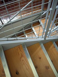 wire mesh stair railing infill | Flickr - Photo Sharing! Stair Gate, Stair Railing, Railings, Welding Wire, Welding Table, Wire Balustrade, Steel Stairs, Exterior Stairs, Table Frame
