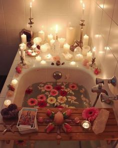 Last weekend I decided to finally take the time and effort to prepare myself a sacred self love ritual bath. Cleansing my heart, body and… My New Room, My Room, Spiritual Bath, Spiritual Cleansing, O Gas, Dream Bath, Witch Aesthetic, Aesthetic Beauty, Aesthetic Rooms