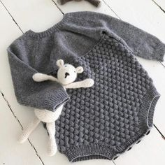 Ravelry: Gorms Romper pattern by Knitting for Sif Baby Romper Pattern, Baby Dress Patterns, Baby Clothes Patterns, Baby Knitting Patterns, Knitted Baby Outfits, Knitted Baby Clothes, Knitted Romper, Knitting For Kids, Knitting For Beginners