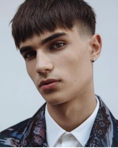 20 Best Men's Hairstyles + Haircuts For 2019 Lange Ernte mit Fransen # Hipster Haircuts For Men, Haircuts For Wavy Hair, Hipster Hairstyles, Cool Hairstyles For Men, Hairstyles Haircuts, Crop Haircut, Fringe Haircut, What Haircut Should I Get, Medium Hair Styles