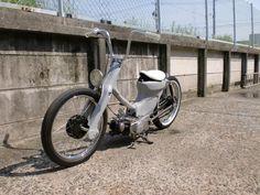 Love the mini apes. From the Extend Cub Club BBS. Custom Moped, Custom Bikes, Honda Cub, Pit Bike, Kustom, Cool Bikes, Bobber, Cars And Motorcycles, Cubs