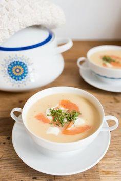 Rezept für Apfel-Sellerie-Suppe mit Räucherlachs als Vorspeise für das Menü zu Ostern