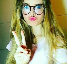 Giovanna Chaves❤ best friend perfect good times ever memories forever girlfriend kisses hugs beautiful smiles romance love her slender naughty sexy lady gorgeous classy elegant stylish girly Girls Status, Romance And Love, Tumblr Girls, Beautiful Smile, Funny Faces, Love Her, Sexy Women, Girly, Classy