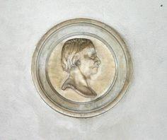 Cesare Cantù: medaglione sullo scalone monumentale di Palazzo del Senato a Milano