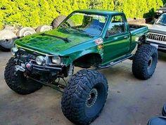 Beefy Toyota Truck! #FlexRocksRollovers #Yota #Toyota #pickup #liftedtruck…