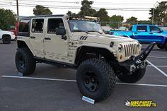 SEMA 2013 - Jeeps. New military look (Paint)
