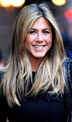 I am obsessed with Jennifer Aniston. And her hair color. Thinking about going this color! My Hairstyle, Pretty Hairstyles, Jennifer Aniston Hair Color, Jennifer Aniston Hairstyles, Jeniffer Aniston, Corte Y Color, Celebs, Celebrities, Great Hair