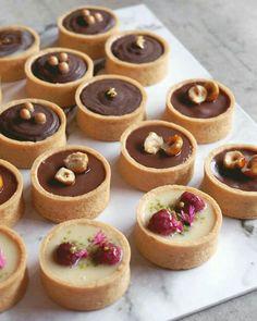 Tart Recipes, Fruit Recipes, Dessert Recipes, Sweet Recipes, Chocolate Ganache Tart, Chocolate Tarts, White Chocolate, Mini Patisserie, Mini Fruit Tarts