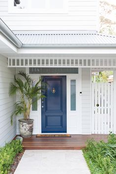 Like a good lipstick, your front door colour can freshen up and lift the whole facade of your home, setting a streetscape scene that will leave a lasting impression. Here's our front door favourite five. White Exterior Houses, Exterior Paint Colors For House, Dulux Exterior Paint Colours, Front Door Plants, Front Door Colors, Hamptons House, Hamptons Style Homes, Weatherboard Exterior, House Front Door