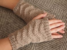 "Ravelry: ""Watson, what's that on your hands?"" pattern by Maria Elisa"