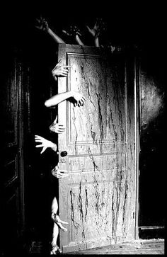 A Walk in the DARK. Dark Gothic Horror Surreal and Fantasy Création (Fantasia) Official Group :. Applis Photo, Dark Photography, Creepy Photography, Magical Photography, Foto Art, Horror Art, Creepy Horror, Horror Movies, Zombie Apocalypse