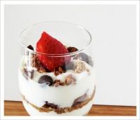 Here comes the sun – Granola and Berry Breakfast Parfaits No Dairy Recipes, Milk Recipes, Goat Milk, Recipe Of The Day, Recipe Using, Granola, Parfait, Breakfast Recipes, Strawberry