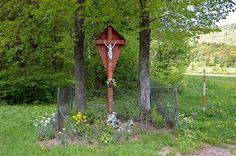 Kríž v Čičmanoch Arch, Outdoor Structures, Gallery, Garden, Plants, Travel, Longbow, Garten, Viajes