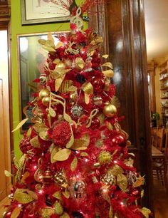 Beautiful Christmas Tree Decorating Ideas 2014 I love the musical notes idea with this one.