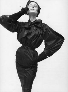 Dorian Leigh in Cristobal Balenciaga, by Irving Penn, Vogue, 1950 Fashion Shoot, Editorial Fashion, Fashion Art, Fashion Models, Fashion Hacks, Fashion Decor, Fashion Tips, Balenciaga Vintage, Vintage Dior
