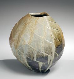 Nishihata Tadashi, Rounded triangular vessel, 2012, Japanese modern, contemporary, ceramics, sculpture